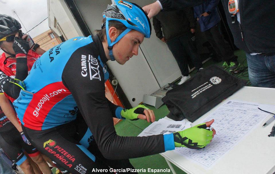 Signing on at GP Primavera de Ontur