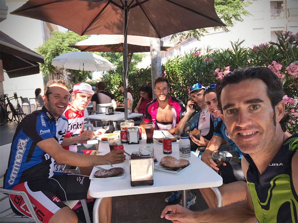 Cafe stop with Worl Tour Movistar rider Daniel Moreno & Pizzeria Espanola Manager Ivan David Vila Hernandez
